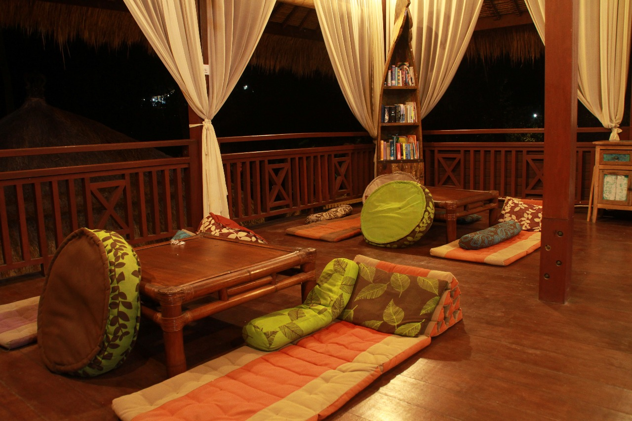Ceningan Shisha Lounge